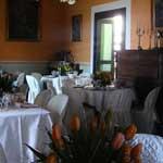 tavoli cerimonia salone interno domus laeta b&b